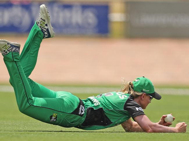 Meg Lanning of the Stars taking a spectacular diving catch to dismiss Rachael Haynes of the Thunder during the Women's Big Bash League match on December 13. Picture: Scott Barbour/Getty Images
