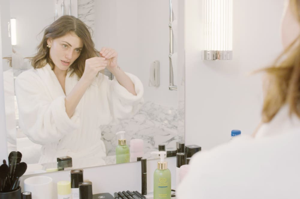 Watch Phoebe Tonkin do her morning beauty routine in 10 products