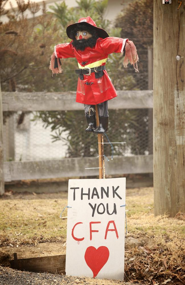 Thankful locals supporting Victoria's Country Fire Authority. Picture: David Caird