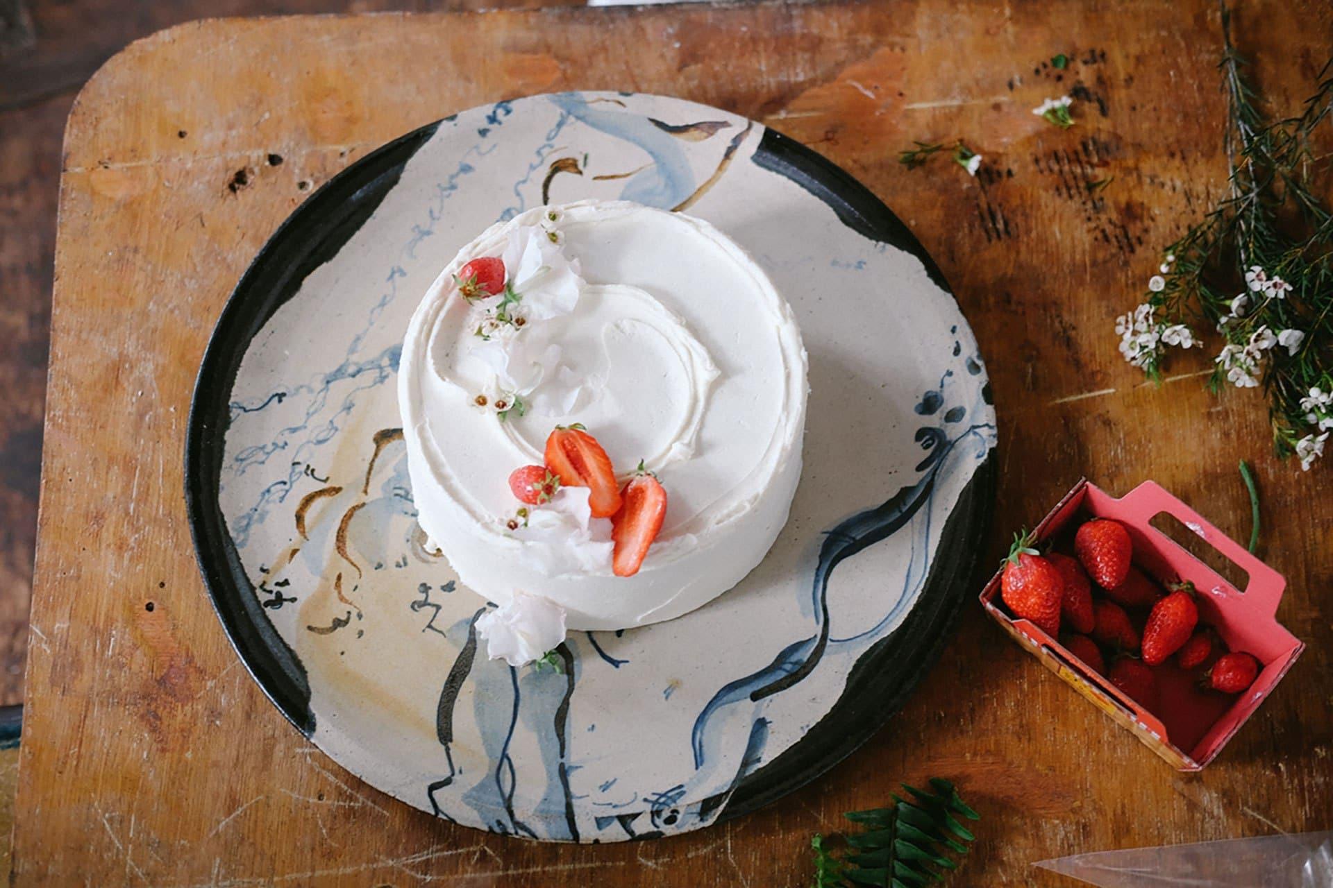 The lemon and elderflower sponge cake that was served at Prince Harry and Meghan Markle's wedding reception. Image credit: Sophie Davidson.