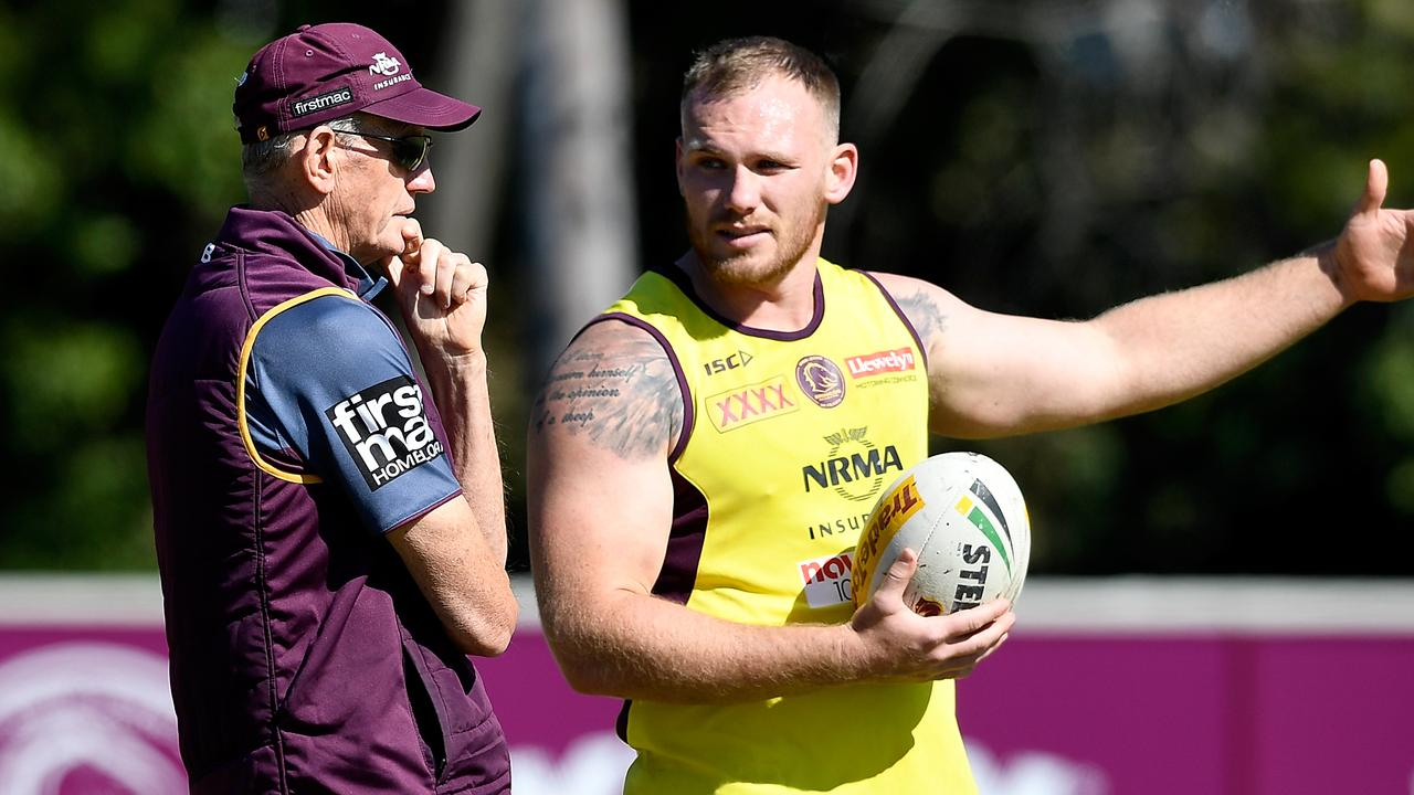 Wayne Bennett and Matt Lodge during Broncos training. (Photo by Bradley Kanaris/Getty Images)
