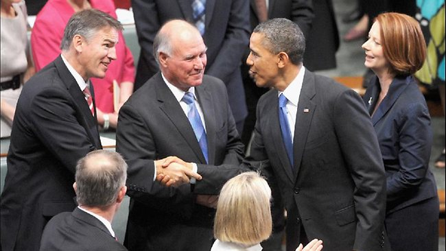 Obama meets the independents; the Prime Minister hovers in the background