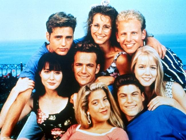 Luke Perry (centre) with his Beverly Hills, 90210 castmates. Picture: Supplied