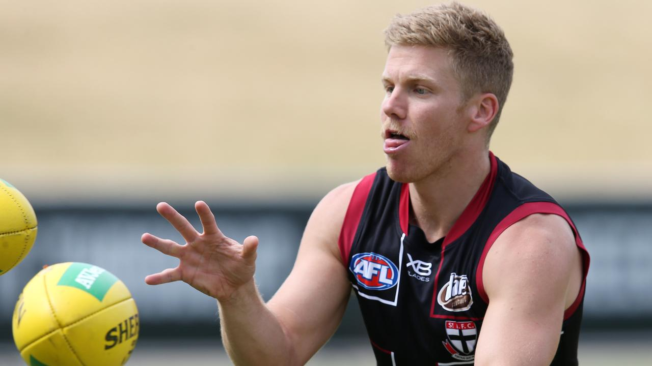 Dan Hannebery at St Kilda training. Photo: Michael Klein