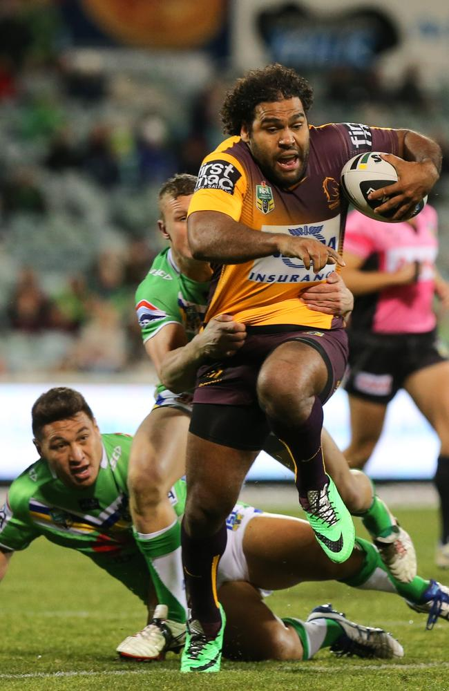 Broncos backrower Sam Thaiday in action.