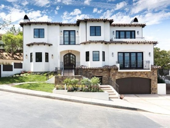 "Serena also has a pad in Beverly Hills. Picture:  <a href=""https://www.realtor.com/news/celebrity-real-estate/serena-williams-mansion/"">Realtor</a>"