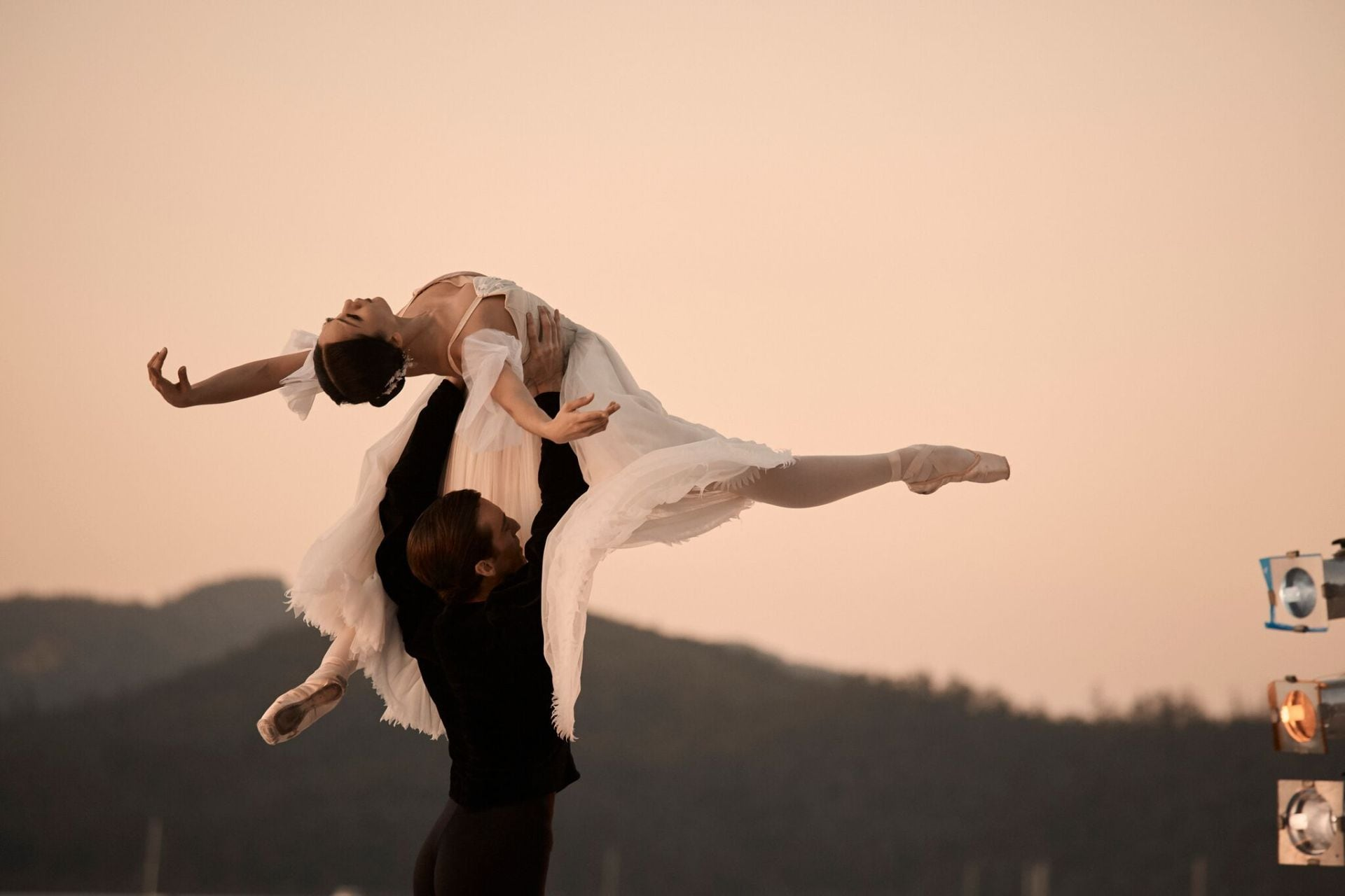 Inside the Australian Ballet x Qualia Pas de Deux on Hamilton Island