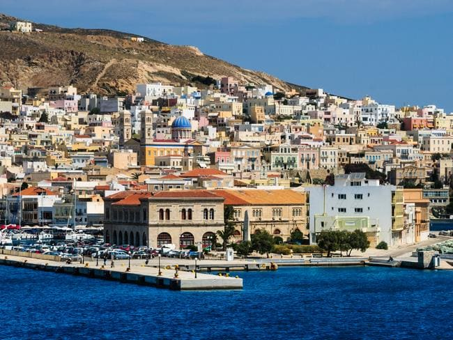 Jeffyne lived for six months on the Greek island of Syros.