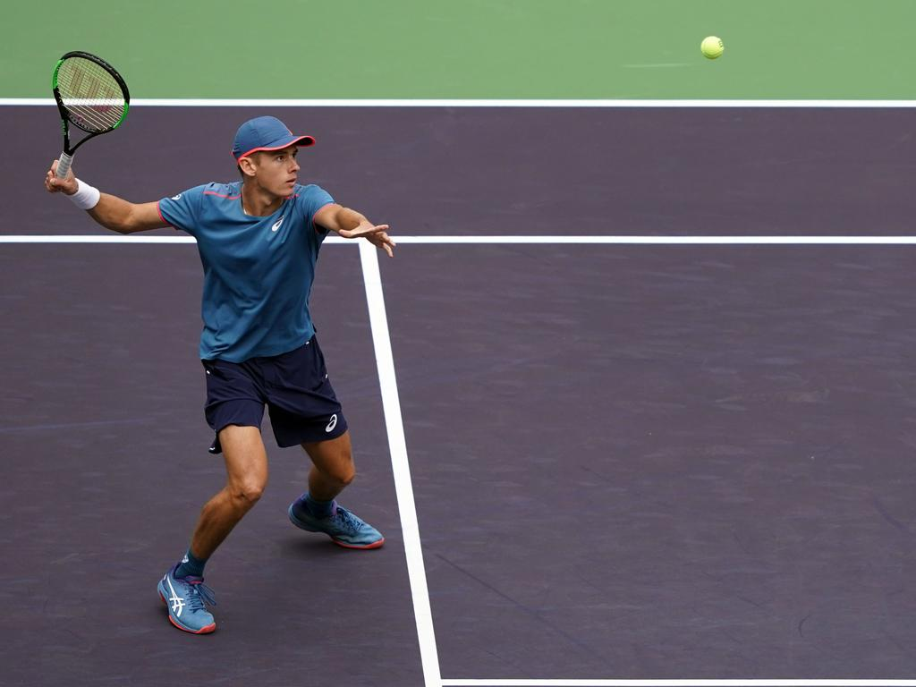 Alex de Minaur has been knocked out of the Shanghai Masters.