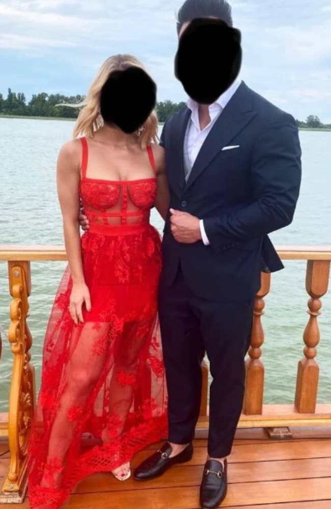 Reddit slams wedding guest's 'too hot