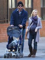 A very pregnant Naomi Watts,Liev Schreiber, and baby Alexander went for a walk in New York City on October 26, 2008. Picture: Splash