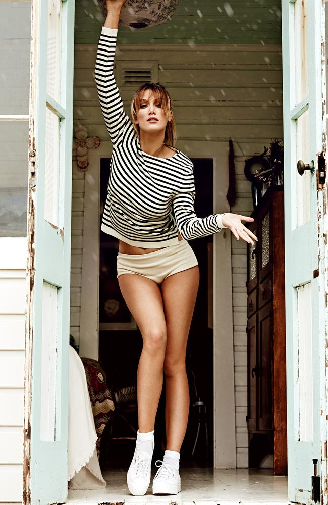 Delta Goodrem gets leggy. Photographer: Simon Upton