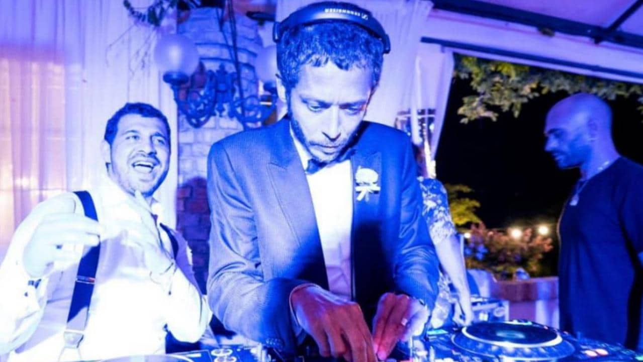 Rossi running the decks at his mate's wedding. (Credit: Valentino Rossi VR46 Official)