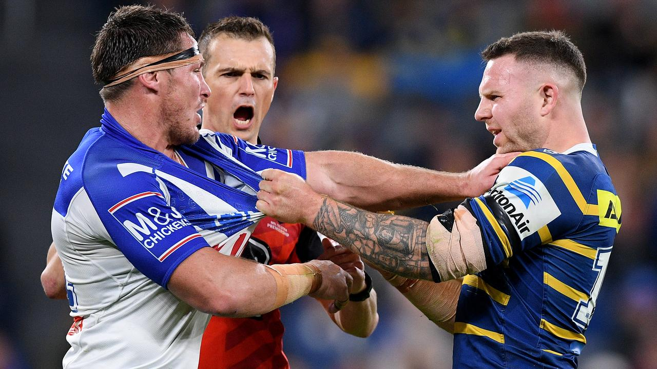Nathan Brown of the Eels scuffles with Josh Jackson of the Bulldogs