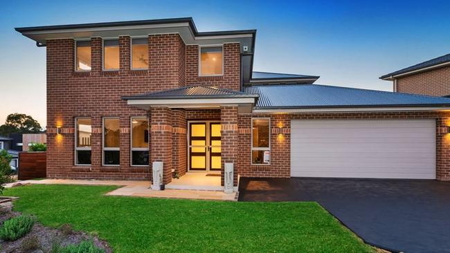 This home on Chesterton Ave in Kellyville was first listed in November 2017.
