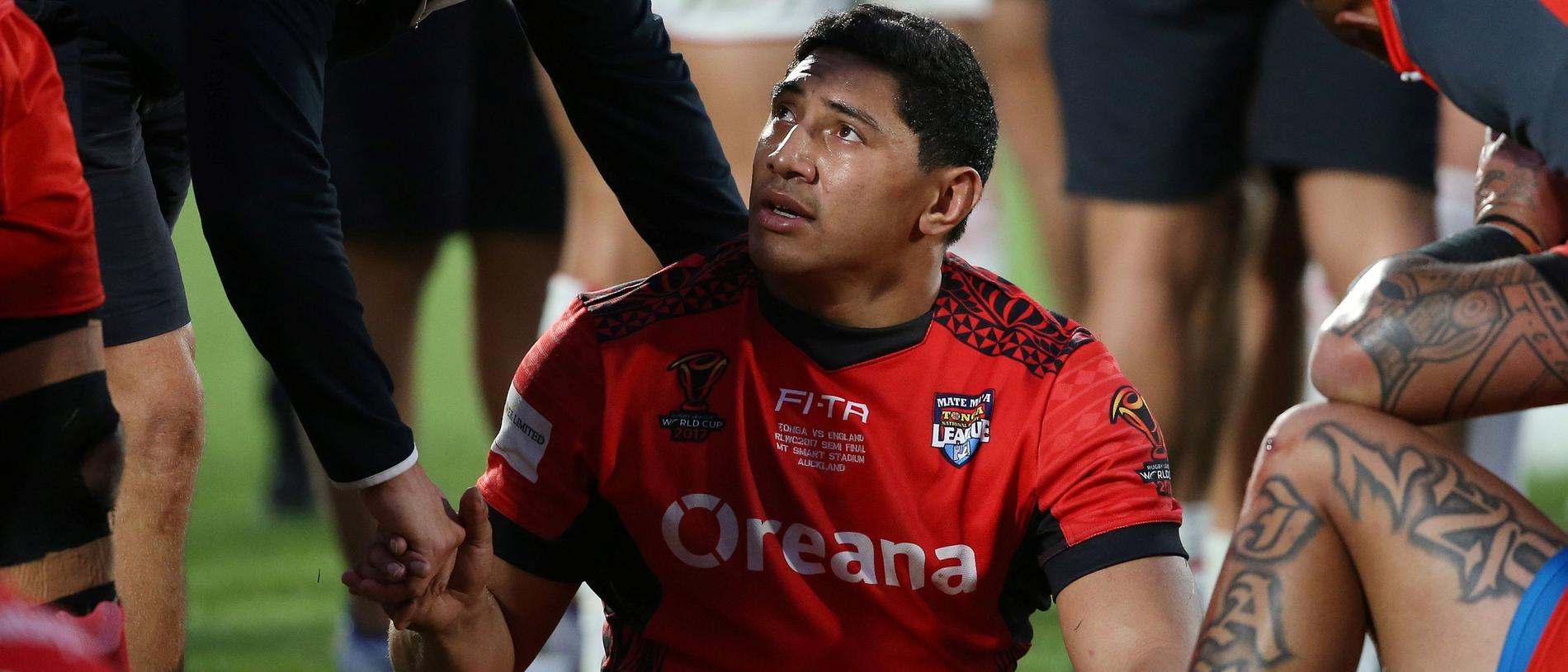 Tonga's Jason Taumalolo (C) reacts after the Rugby League World Cup men's semi-final match between Tonga and England at Mt Smart Stadium in Auckland on November 25, 2017. / AFP PHOTO / Michael BRADLEY