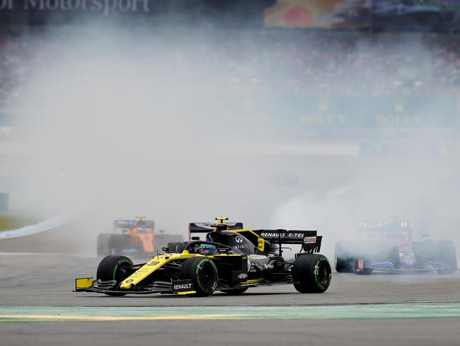 Ricciardo's hopes went up in a puff of smoke.