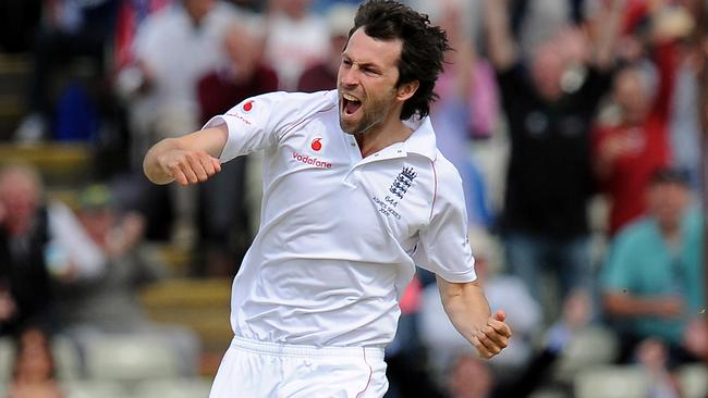 Graham Onions celebrates the wicket of Shane Watson.