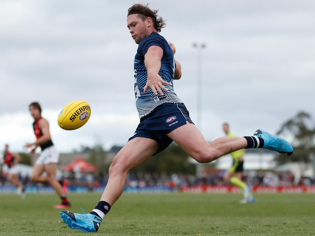 Jack Steven of the Cats is an interesting SuperCoach AFL option as a Dual Position Player at a mid-level pricepoint
