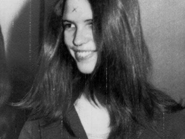 Youngest Manson family member Leslie Van Houten pleads for
