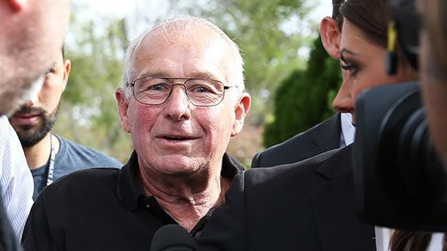 Roger Rogerson arrested as police swarm home