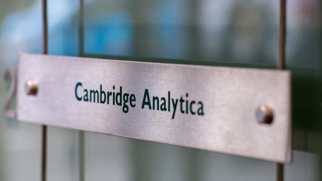 Cambridge Analytica shuts down effective immediately
