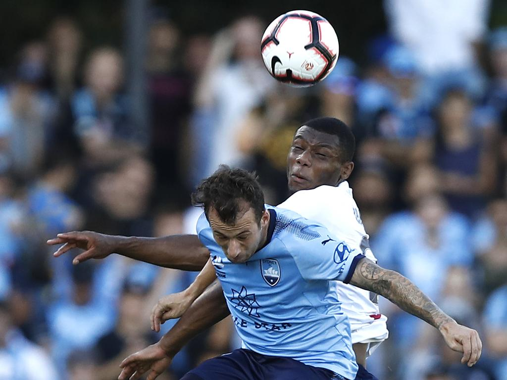 Sydney FC miss chance to climb A-League ladder in wasteful draw