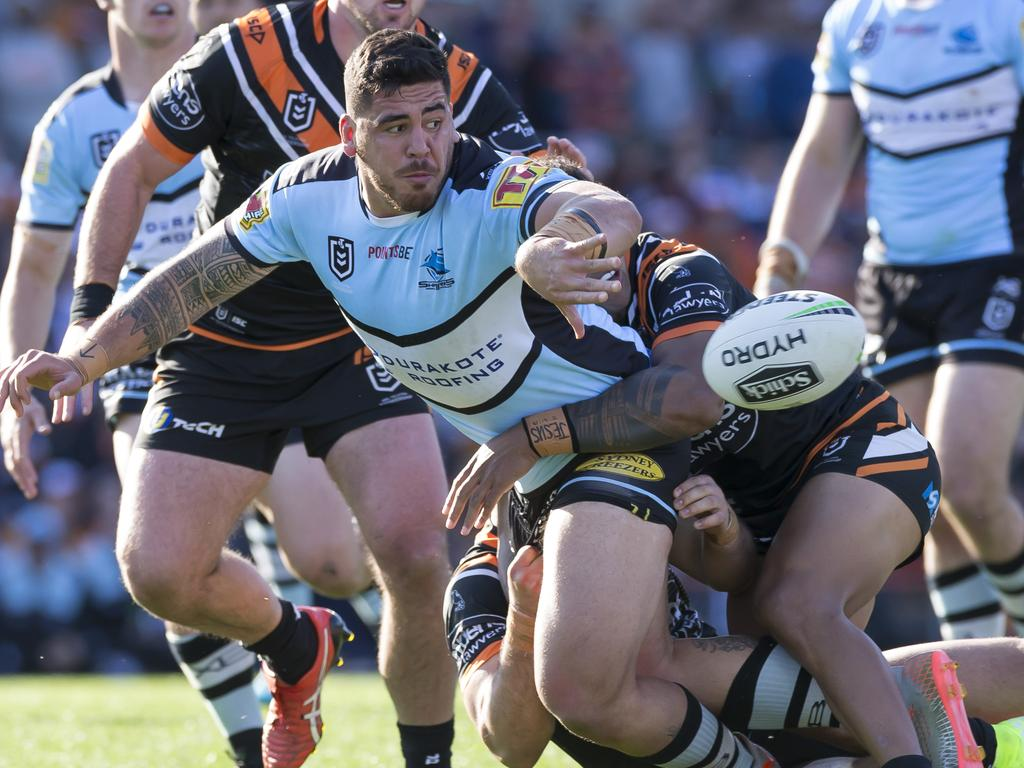 Braden Hamlin-Uele of the Sharks during the Round 25 NRL match between the Wests Tigers and the Cronulla Sharks at Leichhardt Oval in Sydney, Sunday, September 8, 2019. (AAP Image/Craig Golding) NO ARCHIVING, EDITORIAL USE ONLY