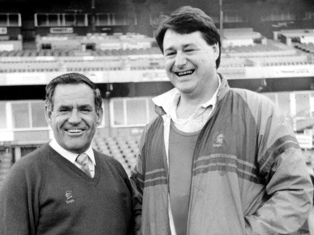 Newcastle marketing manager Leigh Maughan (left) and coach Allan McMahon at Marathon Stadium in 1990. Pic Charlie Steell.