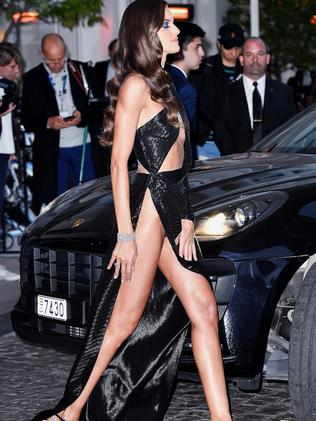 She wasn't the only one. Ex-Victoria's Secret angel Izabel Goulart also stunned in a daring black gown.