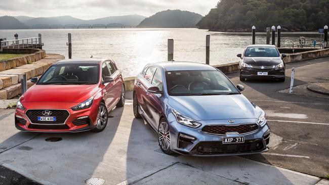 Warm hatch comparison test: Hyundai i30 N-Line v Kia Cerato