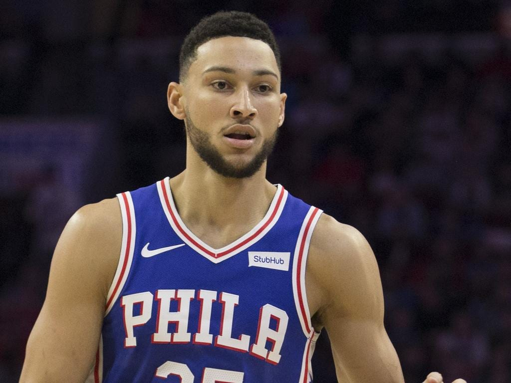 PHILADELPHIA, PA - NOVEMBER 21: Ben Simmons #25 of the Philadelphia 76ers dribbles the ball against the New Orleans Pelicans at the Wells Fargo Center on November 21, 2018 in Philadelphia, Pennsylvania. NOTE TO USER: User expressly acknowledges and agrees that, by downloading and or using this photograph, User is consenting to the terms and conditions of the Getty Images License Agreement. (Photo by Mitchell Leff/Getty Images)