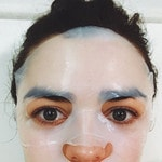 """Maisie Williams ... """"what was ur process for getting ready today? sat in the bath for an hour looking like a right twat, wbu? #goldenglobes"""" Picture: Instagram"""