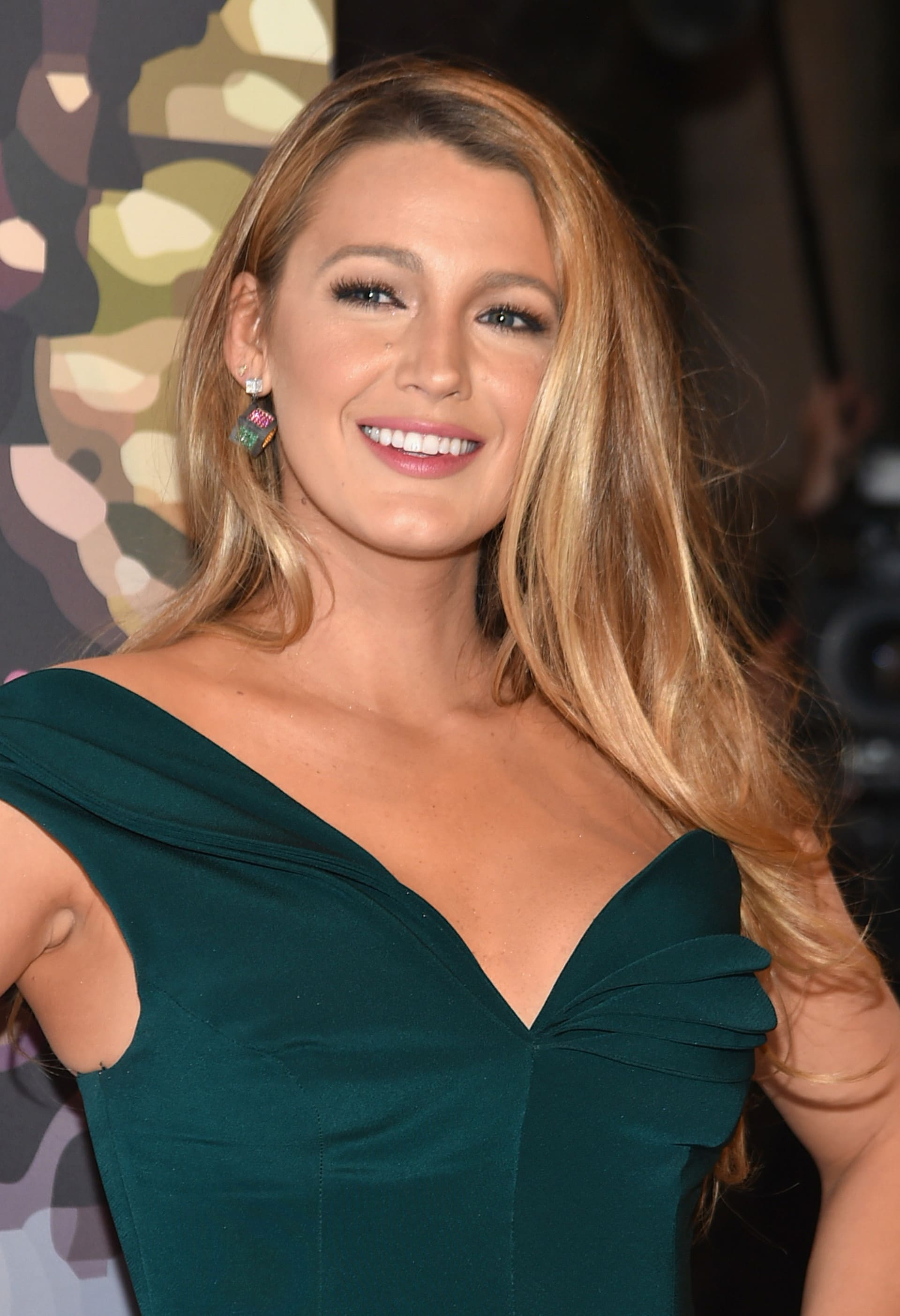 Blake Lively has had a total makeover for her new role ... Blake Lively