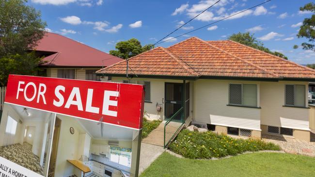 Spring selling season will be a test for the housing market. Image: AAP/Glenn Hunt.