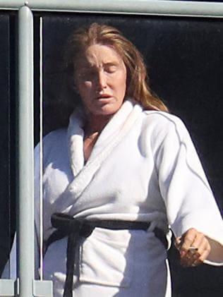 Caitlyn Jenner angers Sydneysiders with hotel quarantine photos