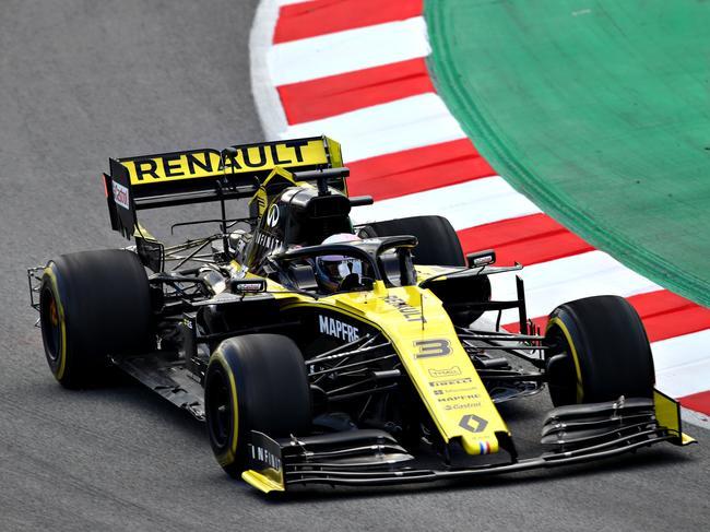 Daniel Ricciardo is all yellow this year.