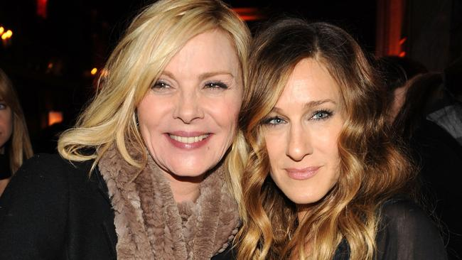 Cattrall (left) and Sarah Jessica Parker play nice in 2009. Picture: Getty