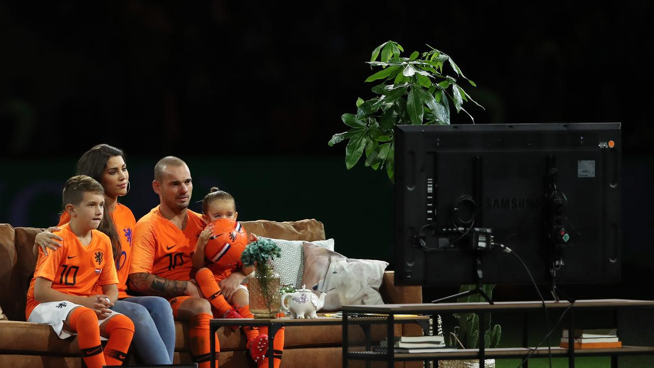Sneijder was treated to the perfect farewell.