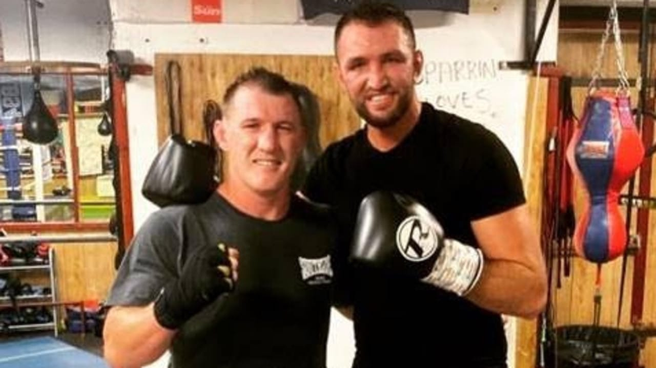 barry hall and paul gallen fight - photo #10