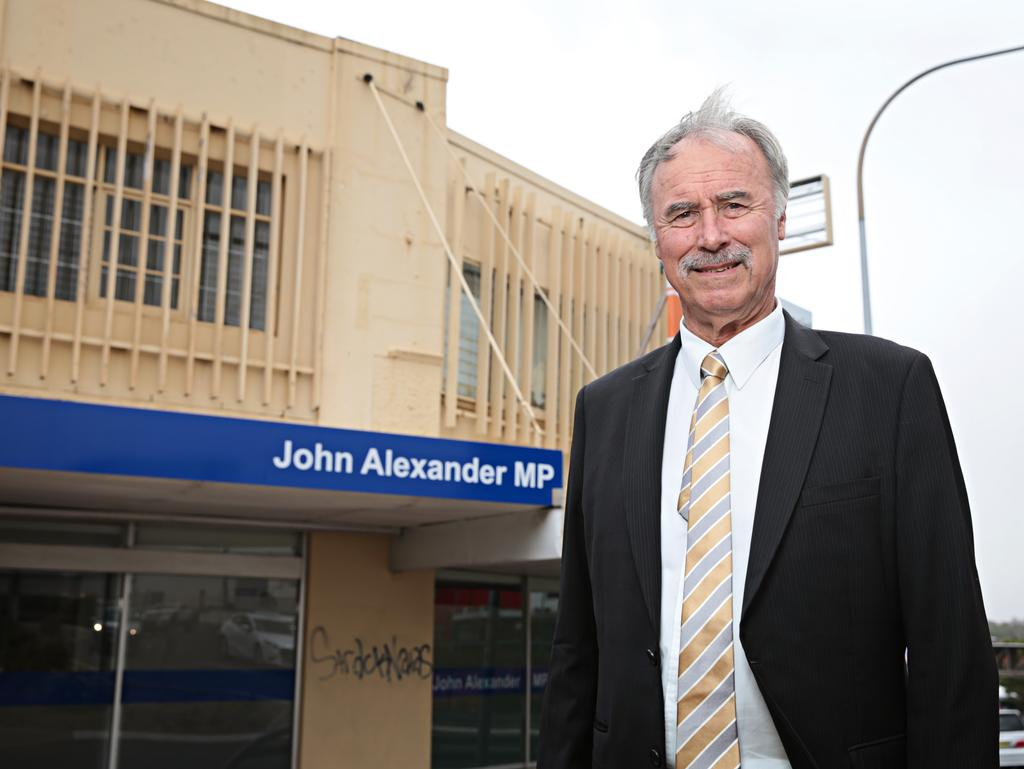 Bennelong MP John Alexander says it's time for politicians to lift the standard of debate to win back the community's respect. Picture: Adam Yip