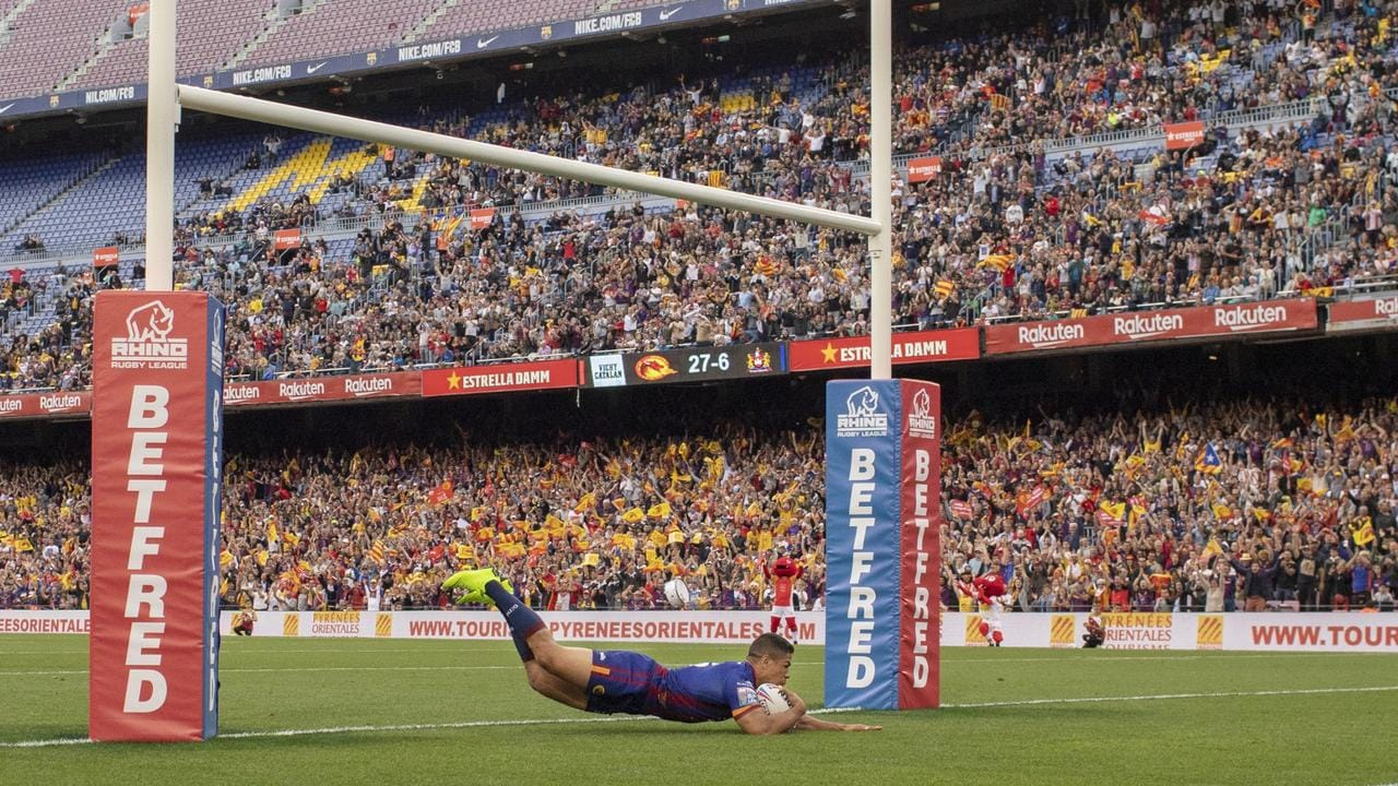 DavidMead scores for the Catalans Dragons at the Nou Camp