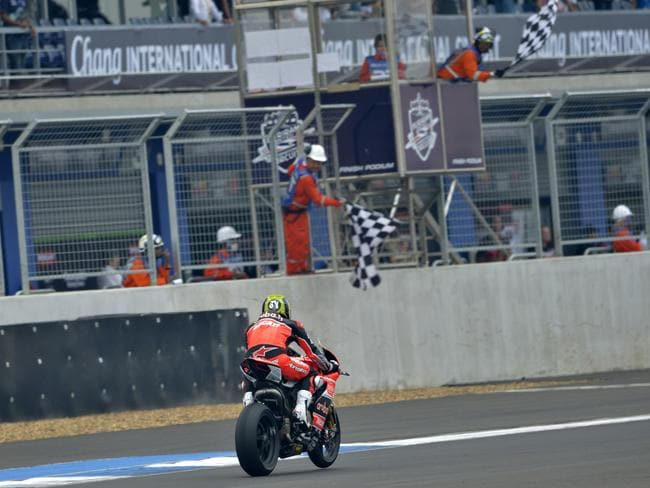 Bayliss finishes a WSBK race for the final time.