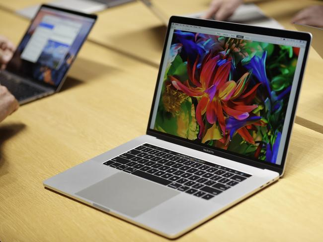 Apple and Microsoft hasten tablet death of personal computer