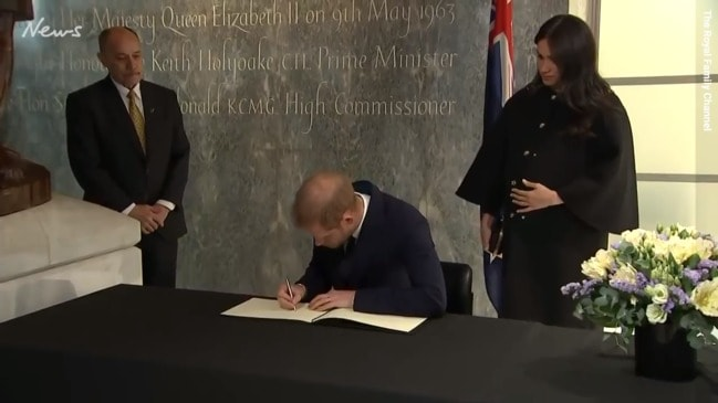 Harry and Meghan pay respects to Christchurch victims