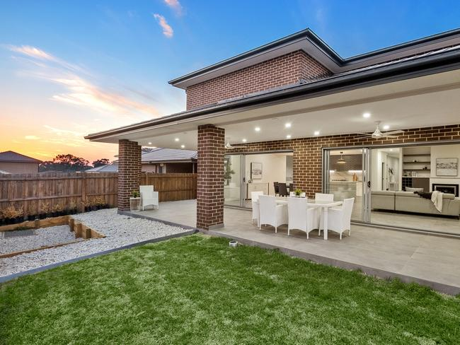The low maintenance rear garden at North Kellyville.