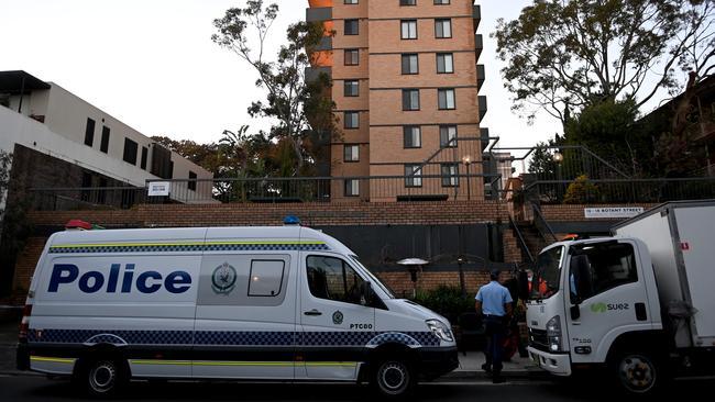 La polizia sta sorvegliando l'edificio.  Foto: NCA NewsWire/Jeremy Piper