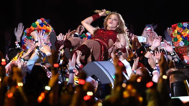 Shakira doing Shakira things. Picture: Al Bello/Getty Images