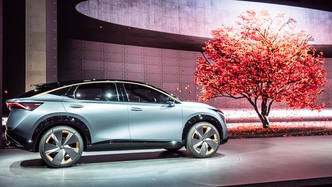 Nissan shows off its future electric family car.