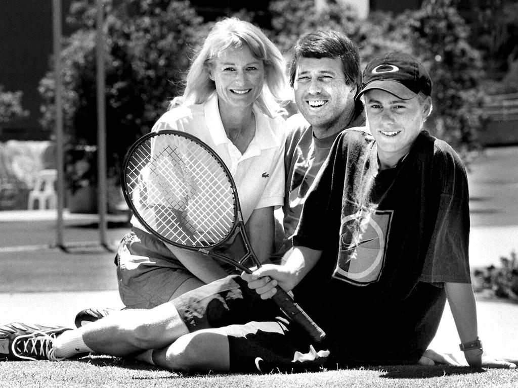 Australian Open 2016 Bec Hewitt in tears as Lleyton closes